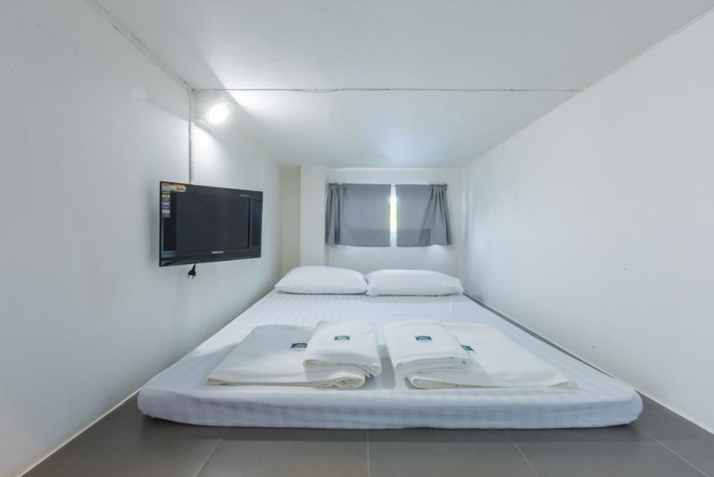 Double Capsule Bed